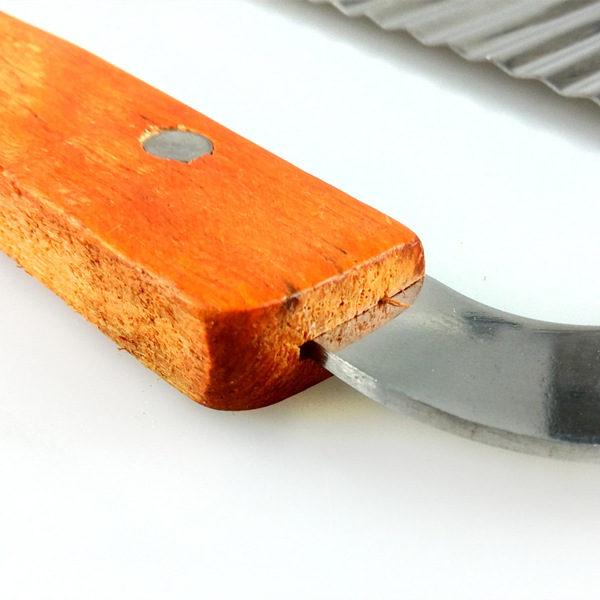 Wavy Crinkle Cutting Tool Salad Chopping Knife